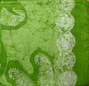 Round pattern tichel bright green