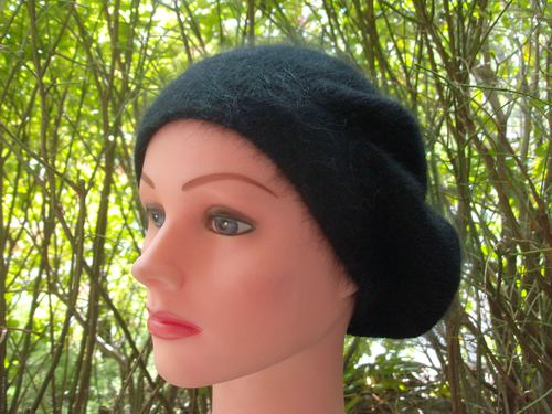 Angora beret black