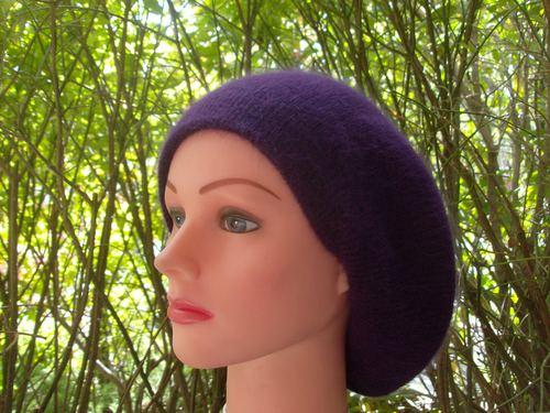 Angora beret purple