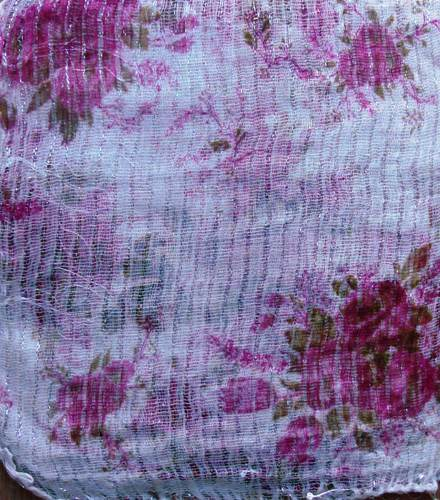 Pretty pattern lurex tichel white with pink flowers