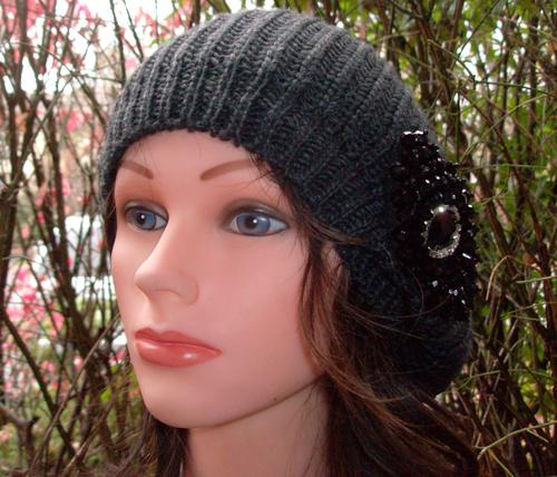 Chic beret charcoal gray