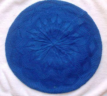 Super lightweight beret bright blue