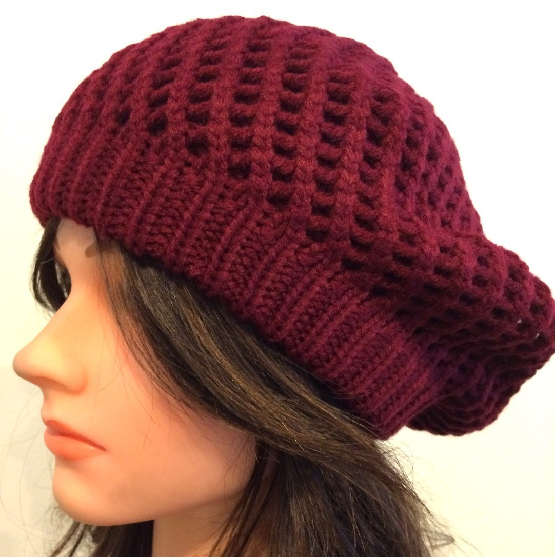 Cranberry chunky beret