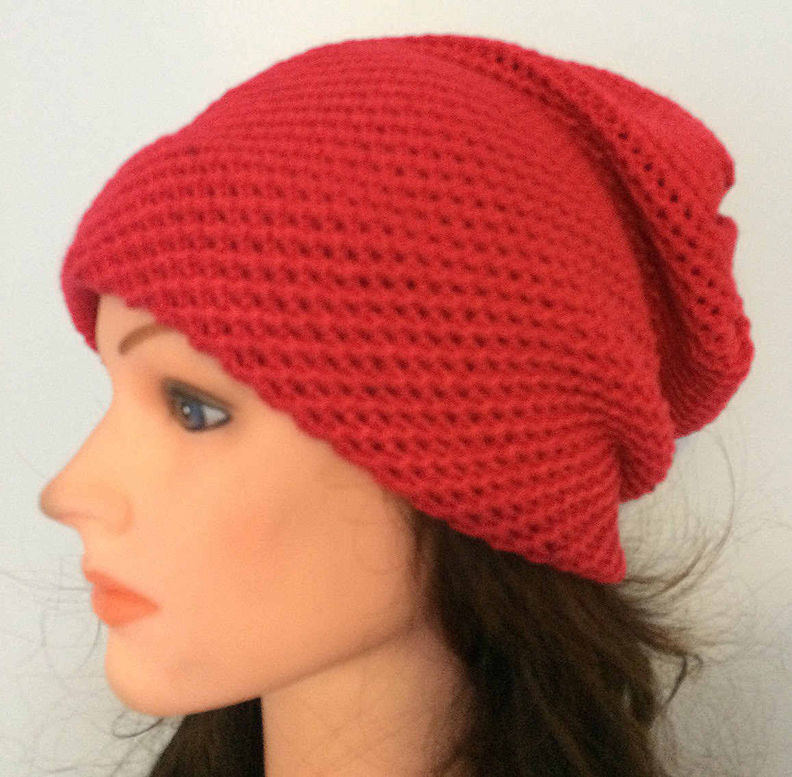 Bright pink/red slouchy hat/beret
