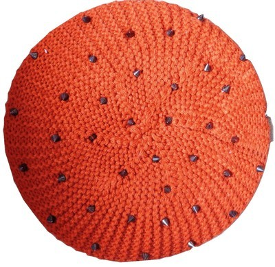 Orange beret with spikes