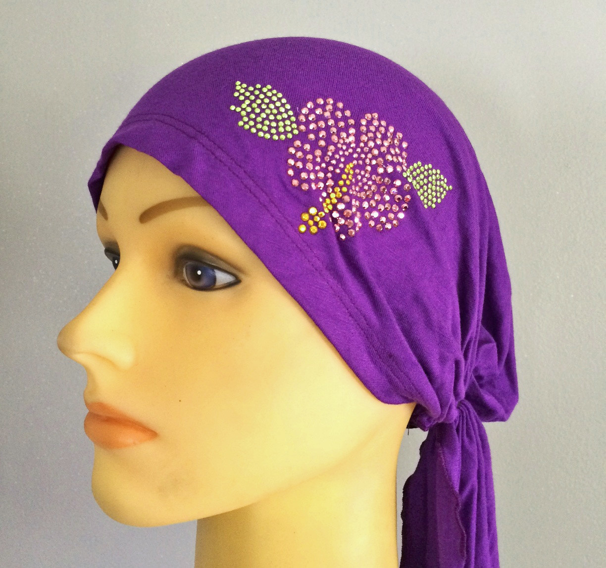 Violet pretied tichel with pink applique