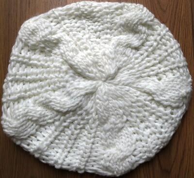 White chunky beanie beret