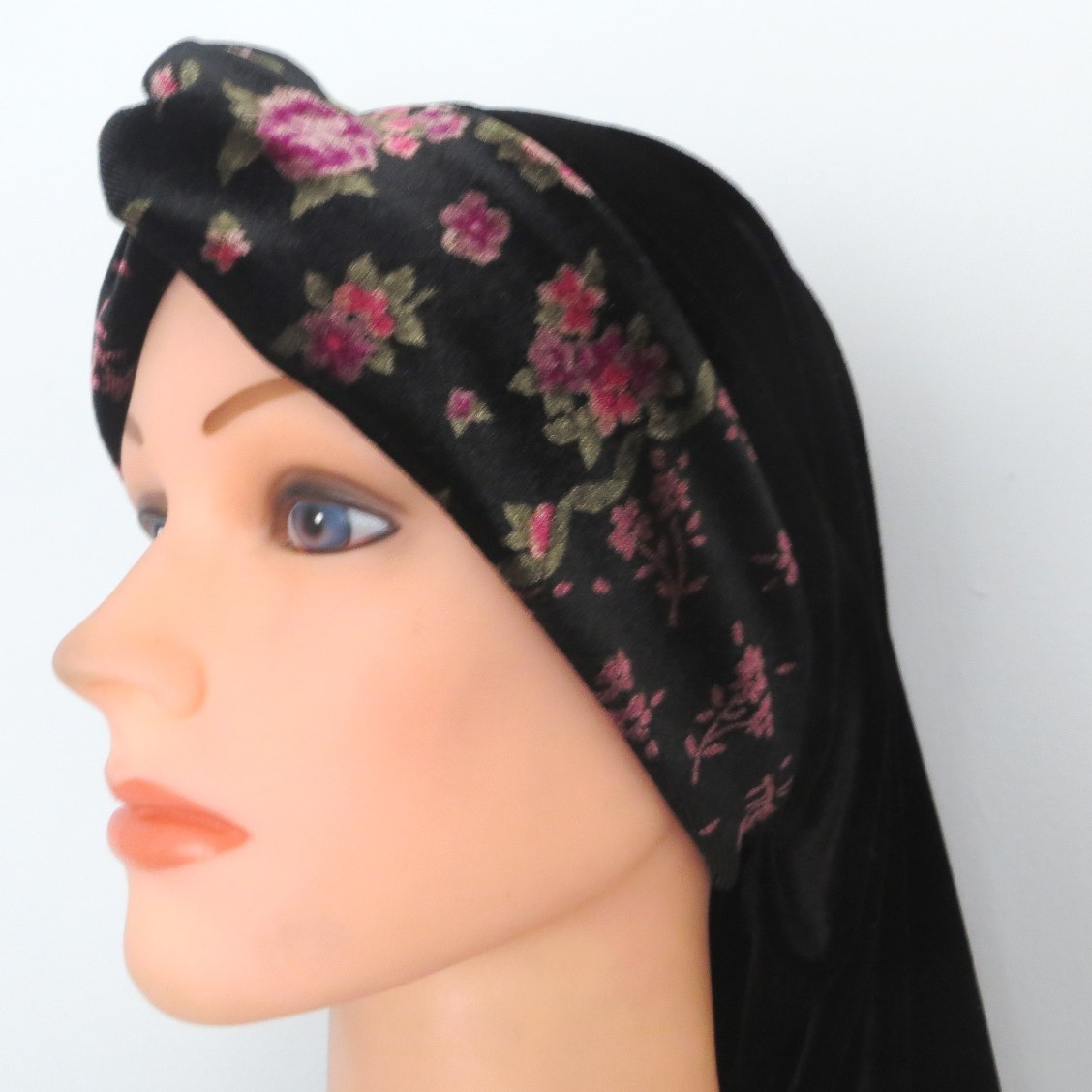 Black velvet knot snood with pretty pattern