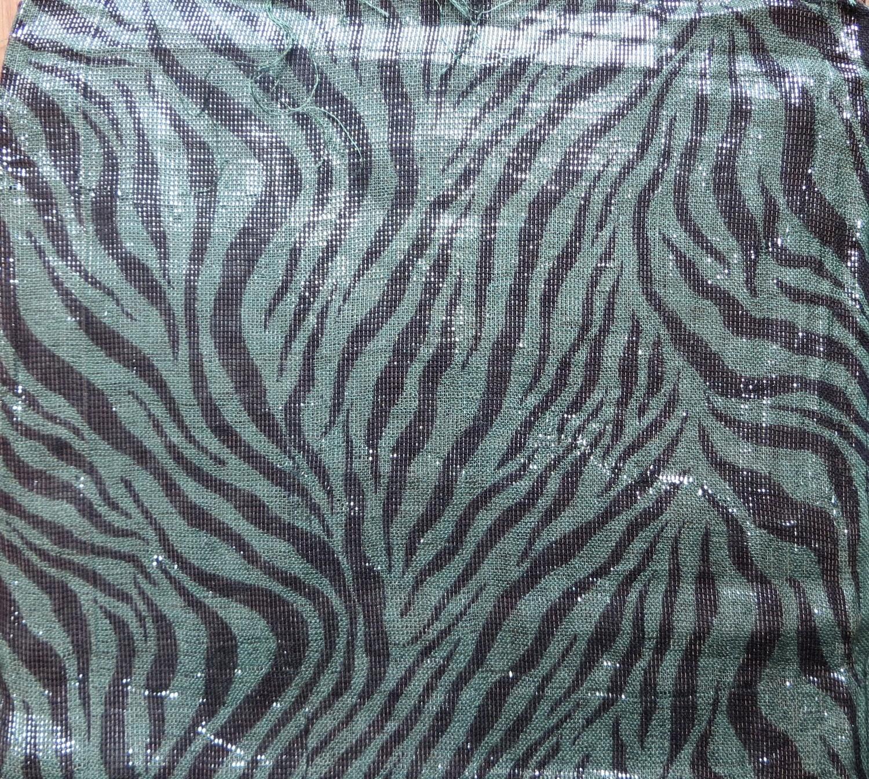 Dark green rectangular tichel