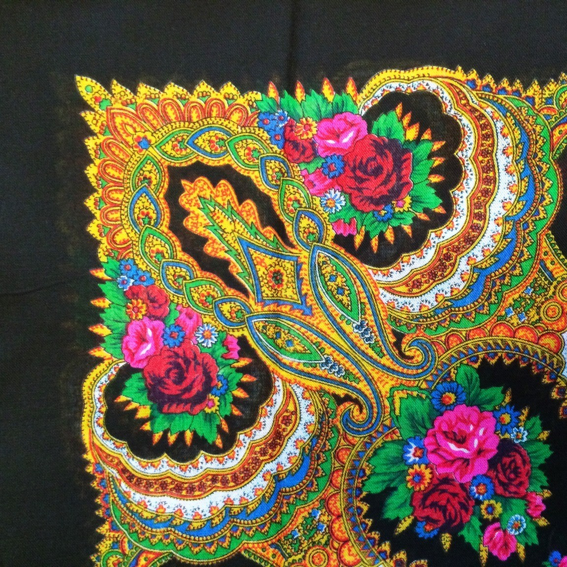 Bold in black vintage tichel with paisley pattern