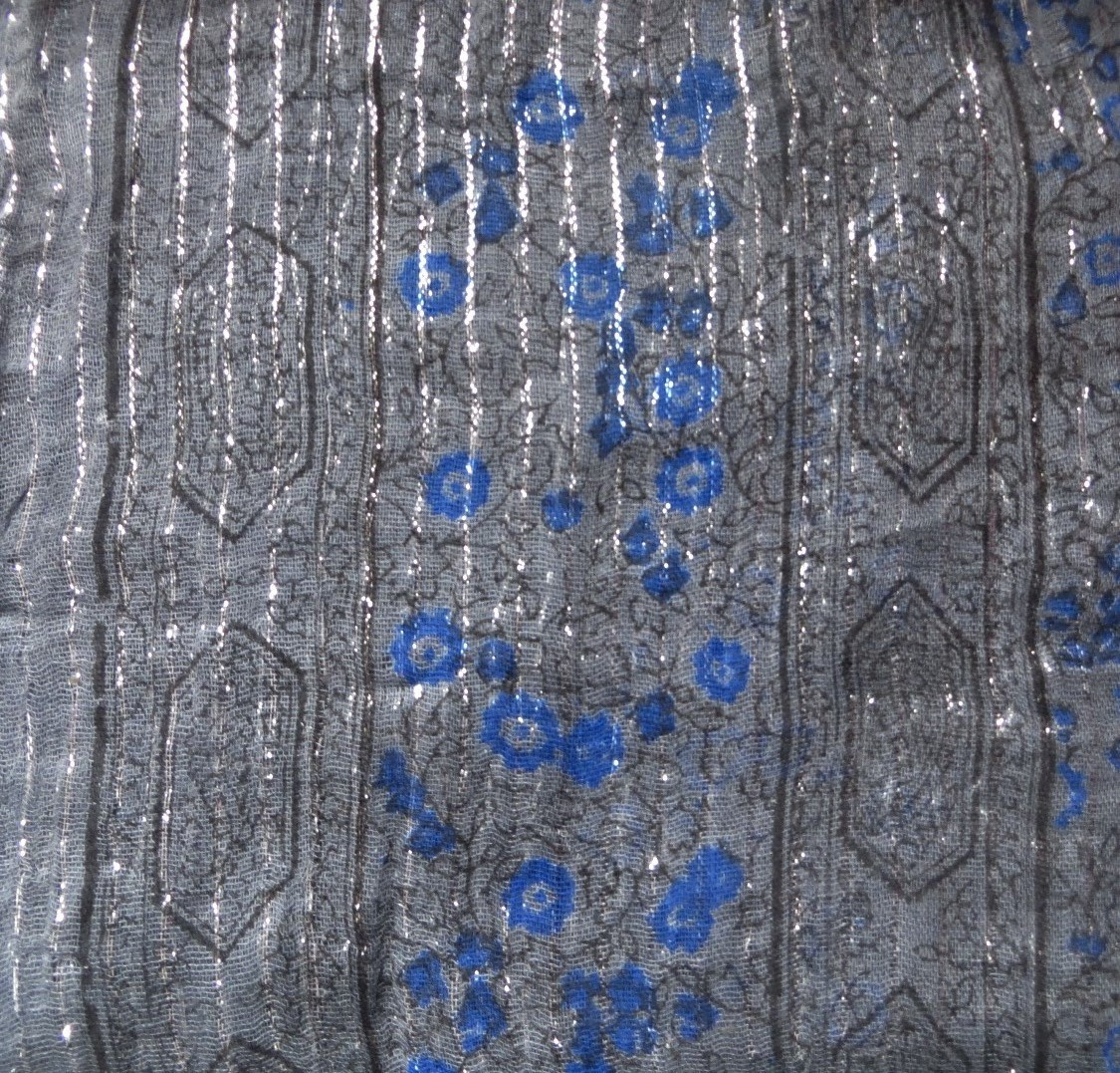 Charcoal lurex tichel with blue berry flowers