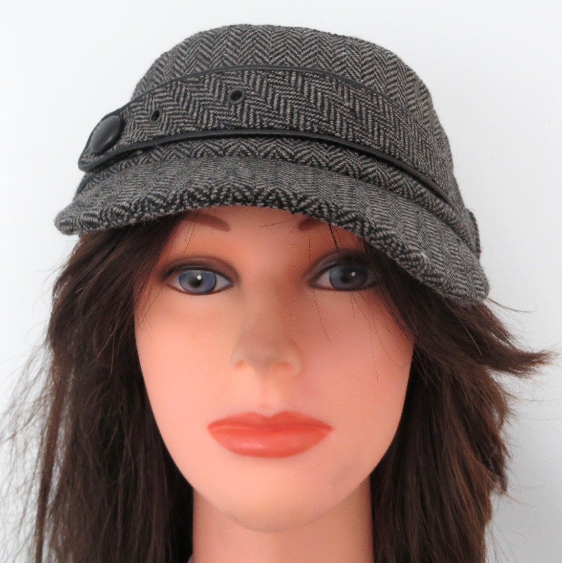 Gray herringbone cap with belt