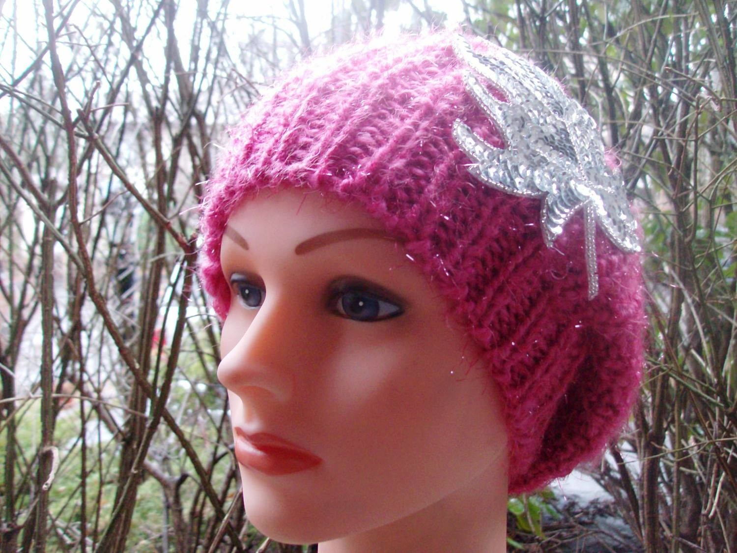 Chic beret shimmery pink