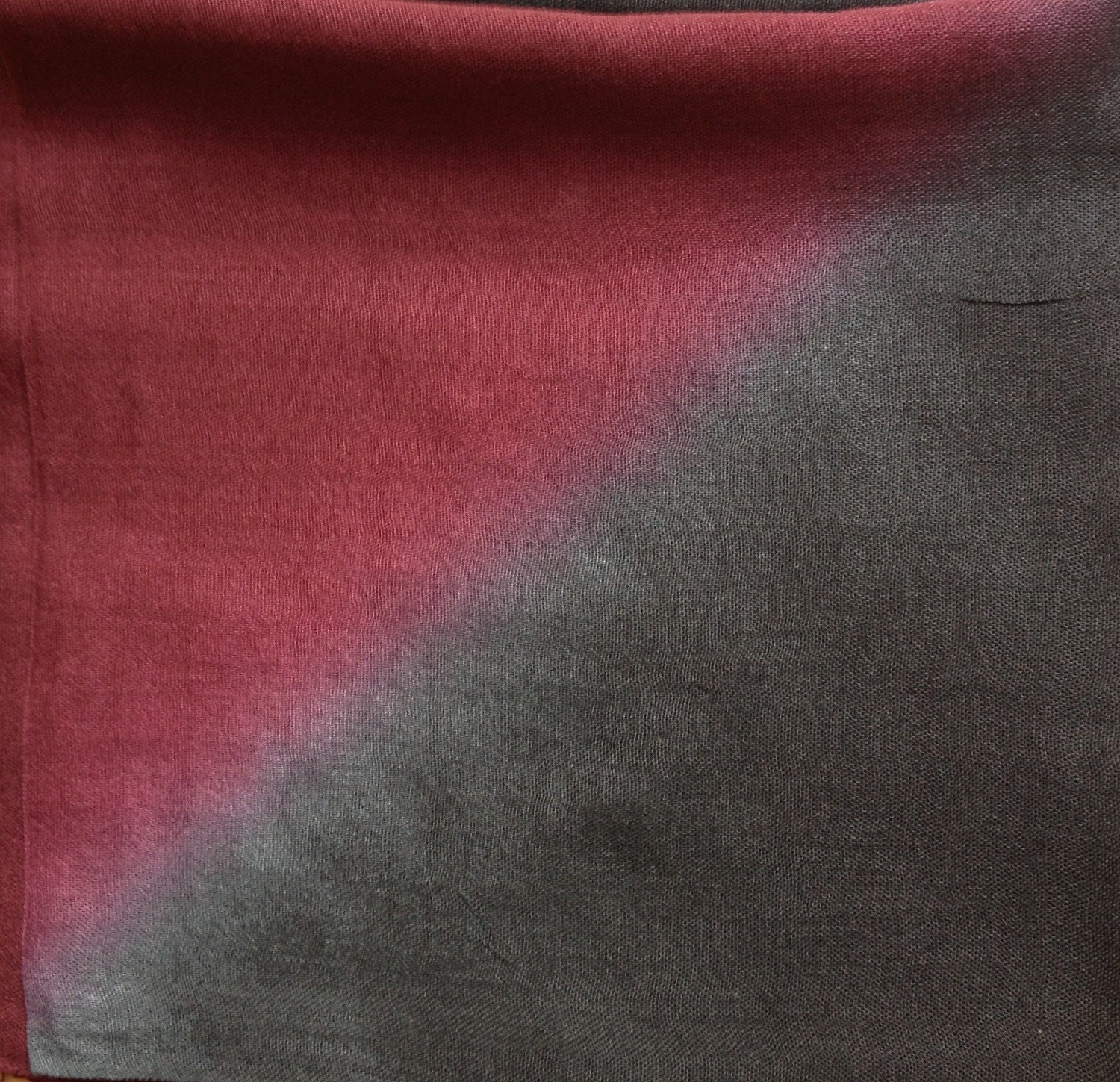 Black and maroon two tone tie dyed tichel