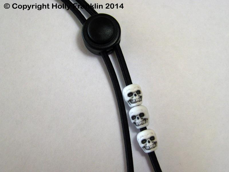 Black : Black - White Skulls 1-UP_black-whiteskulls