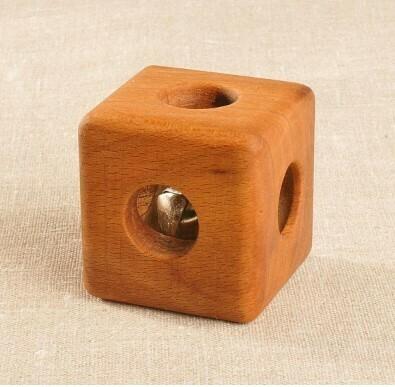 Кубик с бубенцом буковый, Леснушки