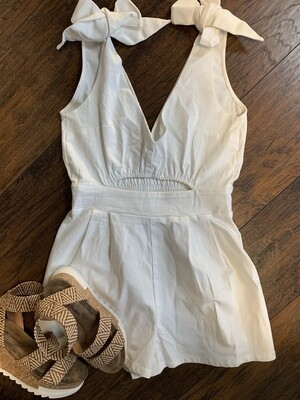 SLEEVELESS V NECK ROMPER WITH FRONT CUT OUT