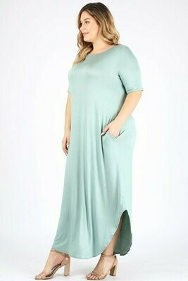 PLUS SIZE SOLID COLOR MAXI DRESS WITH POCKETS