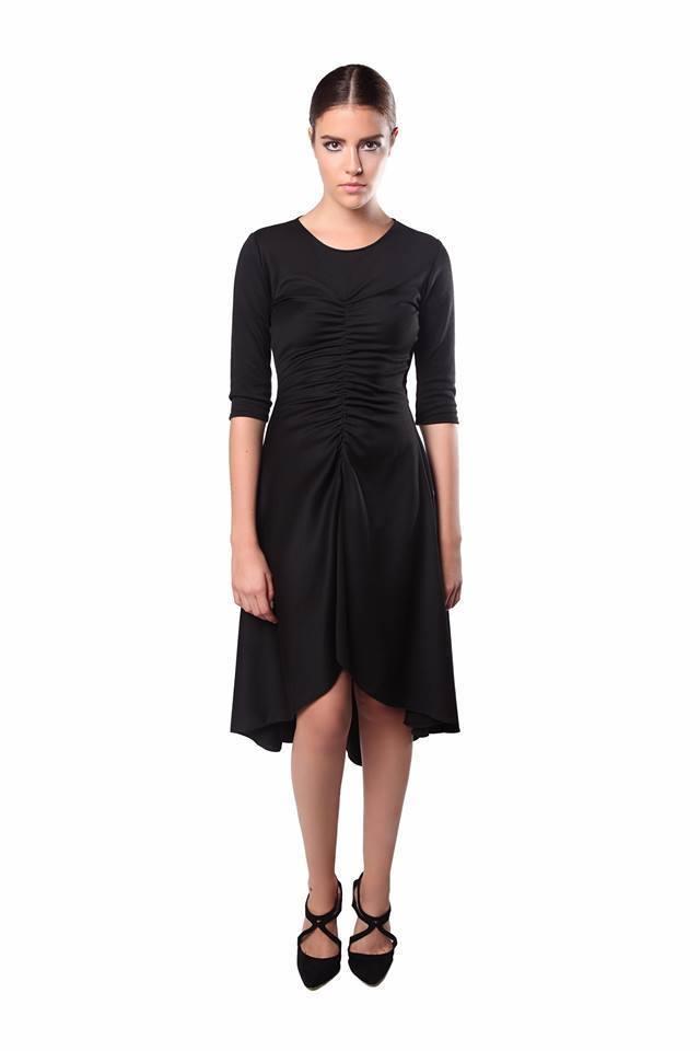 Crna namreskana haljina