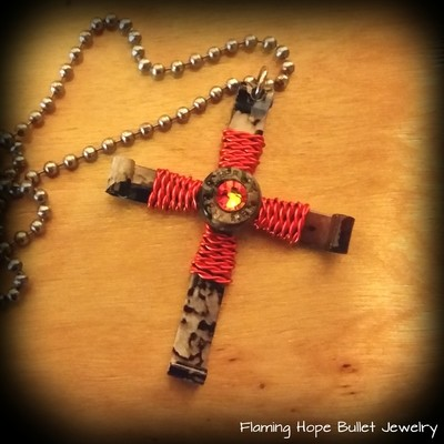 Hydrographic Dipped Bullet Casing Cross Necklace - Hunter's Camo