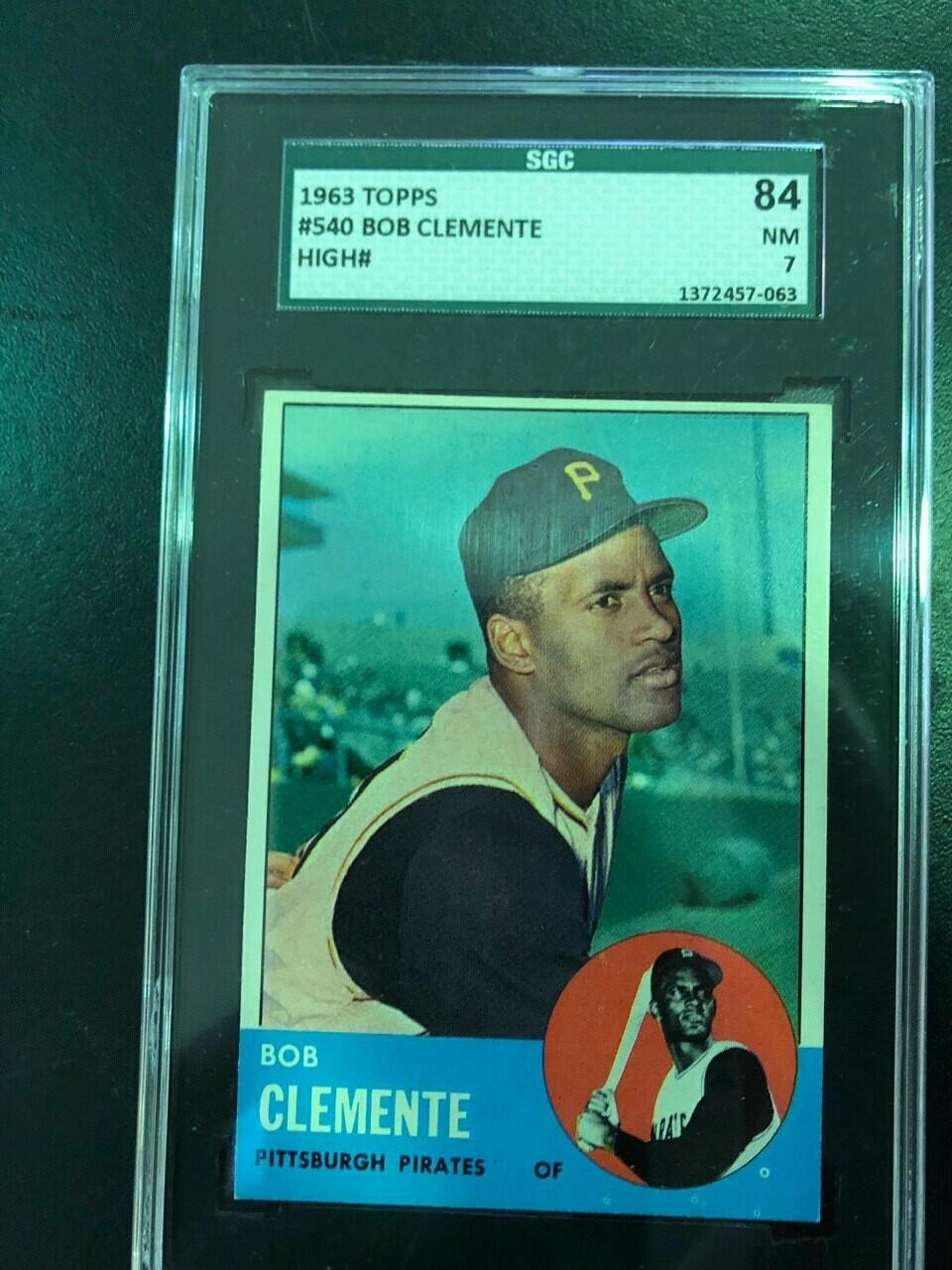 1963 Topps #540 Roberto Clemente SGC graded 7