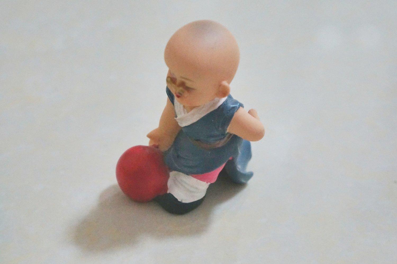 монах с шаром
