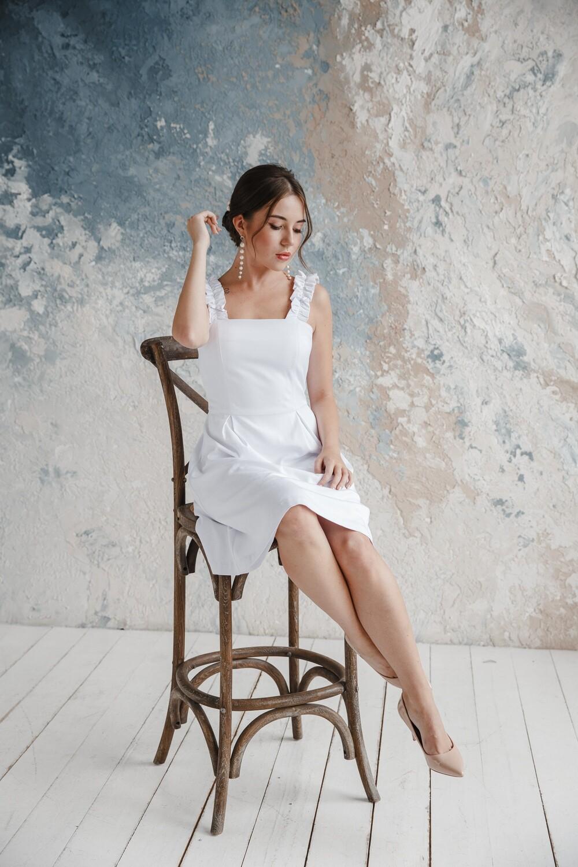 Платье с объёмными бретелями Jinx