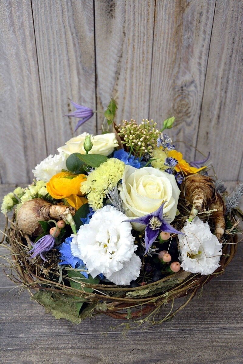 Blumengesteck weiss & blau