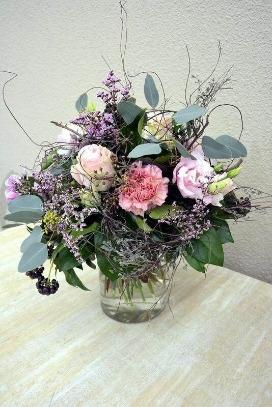 Blumenstrauss natürlich & verspielt rosa