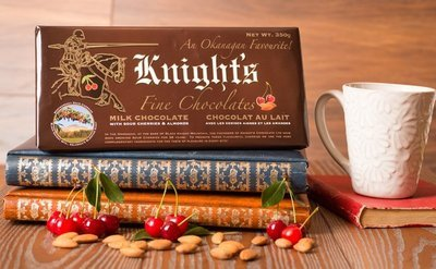 12 Knight's Chocolate 350 g Milk with Cherries & Almonds