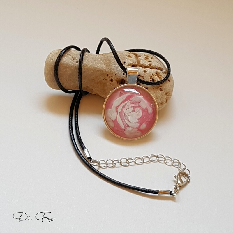 Pink and White pendant necklace