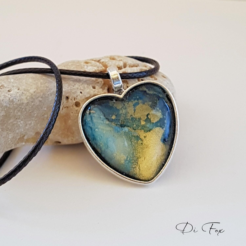 Green & gold Heart shape pendant necklace