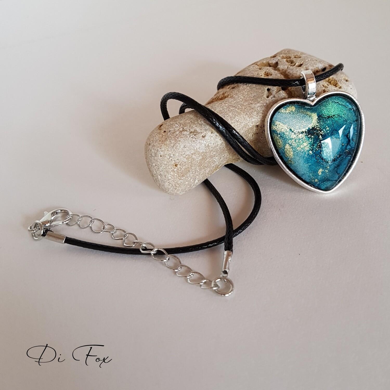 Blue & gold Heart shape pendant necklace