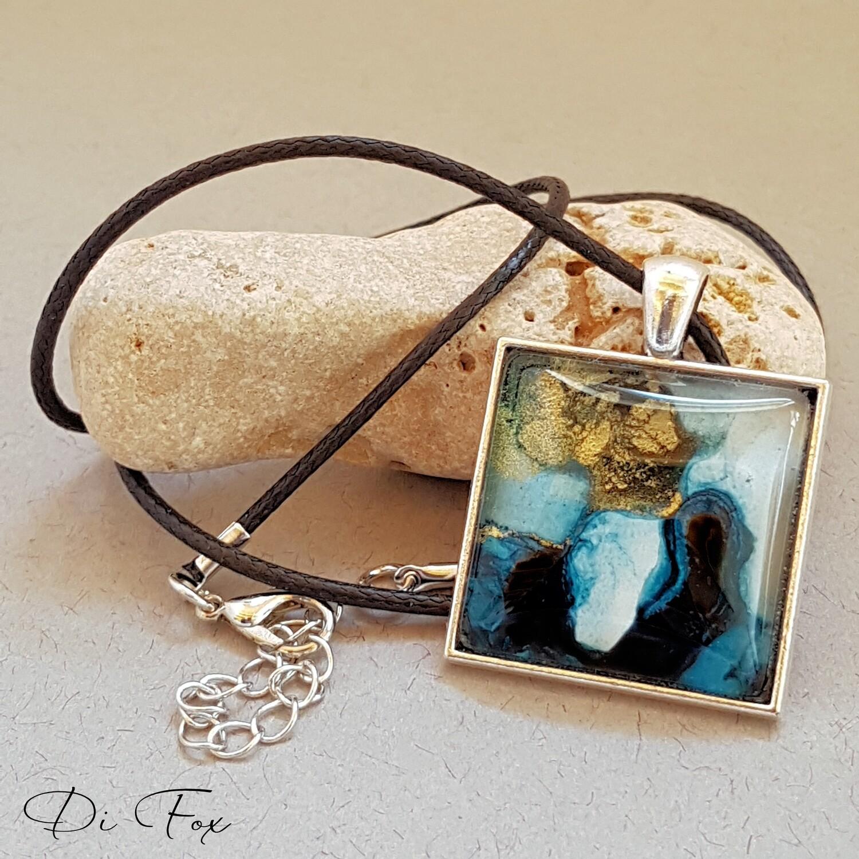 Blue & gold square shape pendant necklace