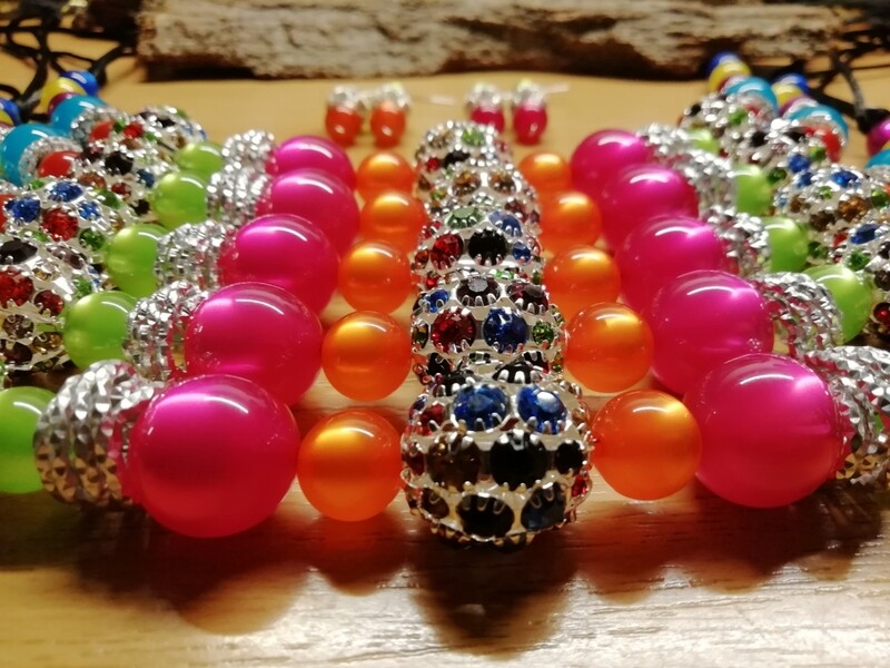Necklaces and Earrings with pearls in different colors - smaller Version - Handmade  by Corinna Kirchhof