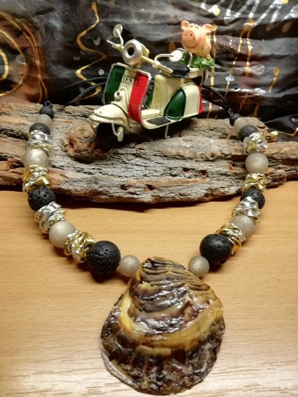 Natural Necklaces with Mussels from the Adriatic Sea Friuli Venezia Giulia - Handmade  by Corinna Kirchhof - Black Lava