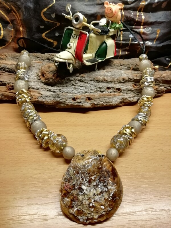 Natural Necklaces with Mussels from the Adriatic Sea Friuli Venezia Giulia - Handmade  by Corinna Kirchhof - Crystal pearl
