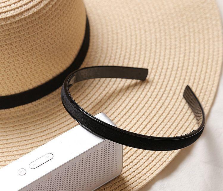 Slim velvet headband