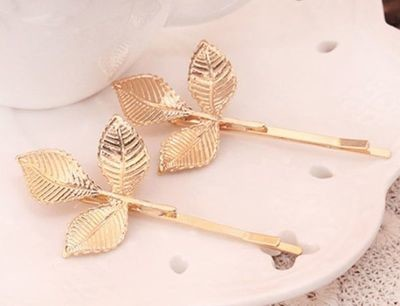 Gold leaves bobby pins