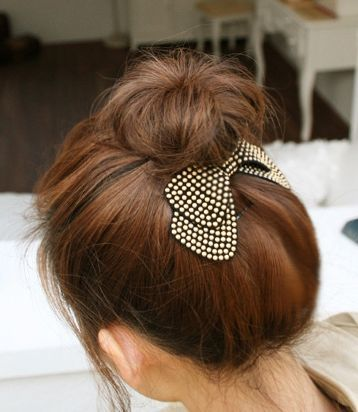 Faux soft-leather bowknot hair clip