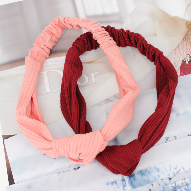 Knot stretch headband