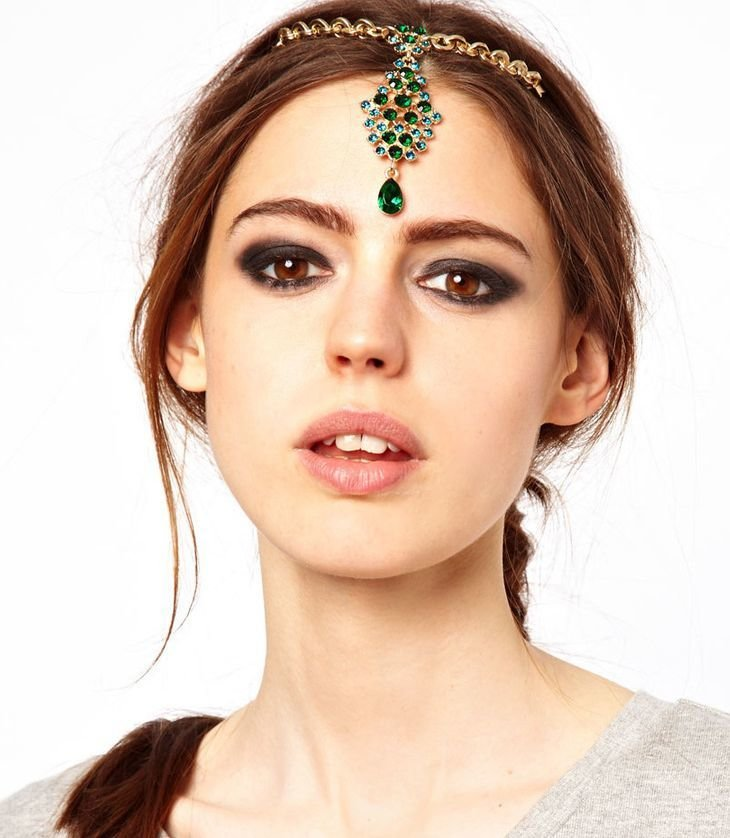 Emerald crystals dangling front head bobby pin