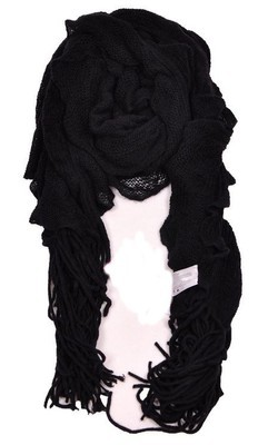 Knitted long scarf with tassel