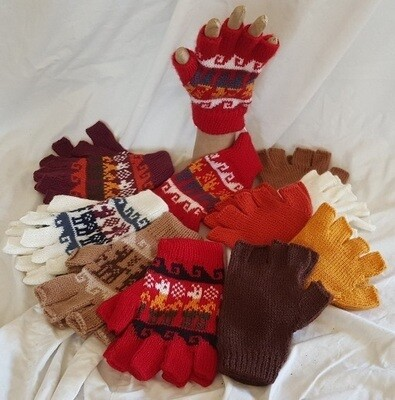 Alpaca Open-Finger-Tip Gloves - hand knitted in Peru. Super soft and hard wearing.