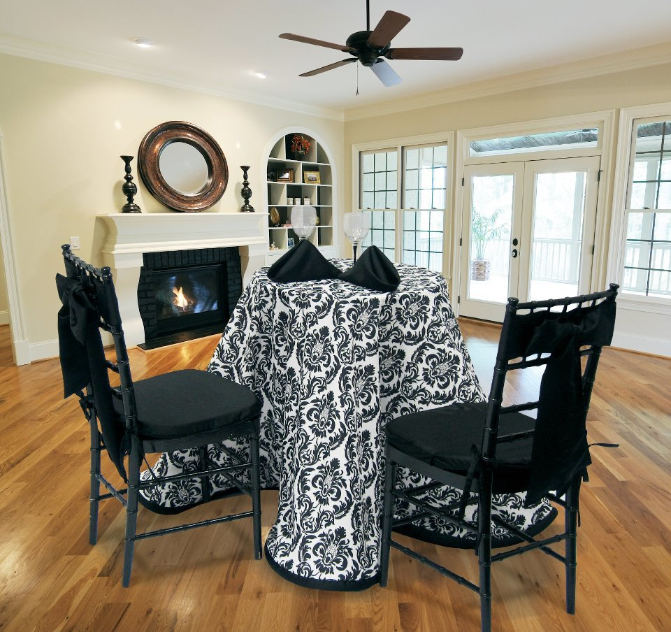 Black & White Damask Square Tablecloths