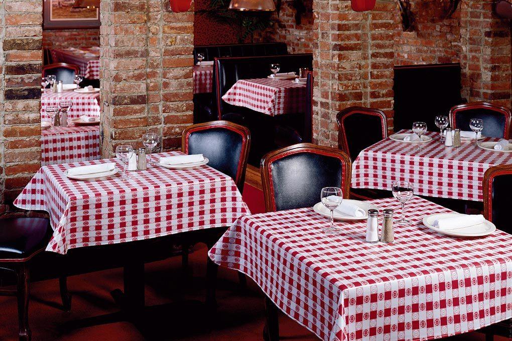 9802 Vinyl Oval Tablecloths