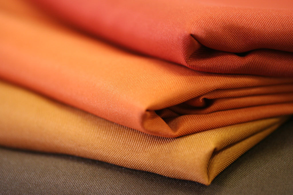 Basic Polyester Oval Tablecloths