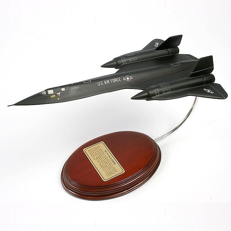 SR-71A Blackbird Desktop Model Aircraft