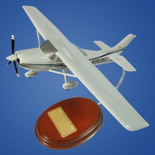 Cessna Model 182 Skylane 1/36 Desktop Model Aircraft