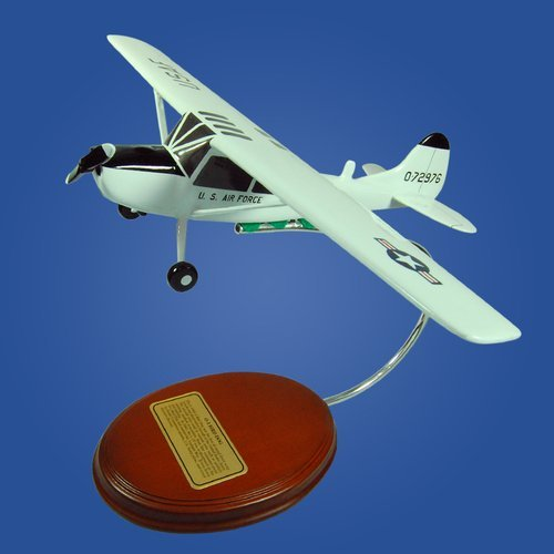 Cessna O-1 Birg Dog (USAF) 1/35 Desktop Model Aircraft